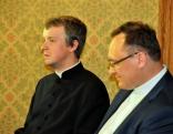 Rēzeknes Jēzus Sirds draudzes vikārs Vitālijs Fiļipenoks un Daugavpils Jēzus Sirds Romas katoļu draudzes prāvests Andris Ševels