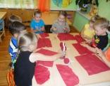 Čornajas pirmsskolas izglītības iestādes bērni gatavo Ziemassvētku apsveikumus