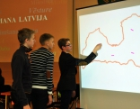 """Līdzīgi kā TV3 spēlē """"Es mīlu tevi, Latvija"""", skolēniem vajadzēja noteikt pilsētu atrašanās vietu Latvijas kartē"""