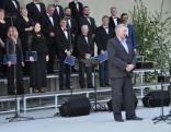 Pasākuma dalībniekus sveic Lendžu pagasta pārvaldes vadītājs Voldemārs Deksnis