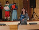 pasākuma vadītāji piesaka skolotāju Anitu Doroščonoku - atbildīgo par konkursa uzdevumiem.