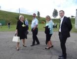 Norvēģijas delegācija kopā ar ārējo sakaru koordinatori Intu Rimšāni apmeklē Pagastu sētu.