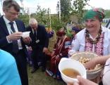 Kāds neredzēts gardums - rudzu ķīselis! To nogaršoja arī baltkrievu ciemiņi.