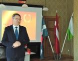Rēzeknes novada domes priekšsēdētājs Monvīds Švarcs pieminēja tās vērtības, kuras šie pāri ir saglabājuši 50 gadus -- mīlestību, uzticību un optimismu.