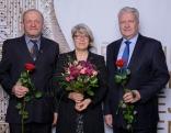 """Zemkopības ministra Jāņa Dūklava īpašo balvu saņēma z/s """"Zvejnieki""""  - Anna un Jānis Macāni."""