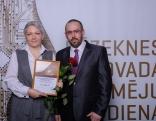 """Pateicība nominācijā """"Gada ģimenes uzņēmums""""- IU """"Maija S"""", Gunta un Vitālijs Vasiļjevi."""