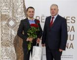 Juris Brolišs (no kreisās) kopā ar Kaunatas pagasta pārvaldnieku Sergeju Bašmakovu