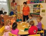 Silmalas pirmskolas izglītības iestādes bērni gatavo Ziemassvētku apsveikumus