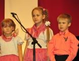 """Rēzeknes novada vokālās studijas """"Skonai"""" jaunākā grupa"""