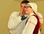 """Čornajas folkloras kopas """"Ausmeņa"""" vadītāja Santa Viša-Gaisiņa un Čornajas tautas nama vadītājs Jānis Aleksāns"""