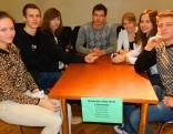 No Nautrēniem piedalījās divas komandas, bet sākumā to dalībnieki sasēdās pie viena galda - lai būtu drošāk.