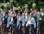 X Latvijas skolu jaunatnes dziesmu un deju svētku gājiens 2010. g. 10. jūlijs