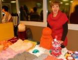 Anita Matisane no Sakstagala - ar rokdarbiem un oriģinālām eglītēm