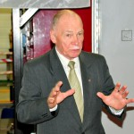 Uzņēmumu sveic Mašīnbūves un metālapstrādes uzņēmumu asociācijas prezidents Vilnis Rantiņš