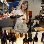 Vīndare Marta Igaune no Nagļu pagasta piedāvā vīnus pēc savas dzimtas receptēm
