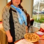 Anita Onužāne piedāvāja Latvijas zemes riekstu - topinambūru