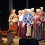 Uzstājas Bērzgales pagasta folkloras kopa