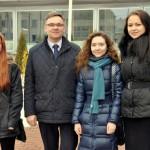 Domes priekšsēdētājs Monvīds Švarcs ar ēnām Karinu Avdeviču (Varakļānu vidusskola), Mariju Satibaldijevu (RMDV) un Danu Dobrovoļsku (Malnavas koledža)