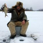 Pāvels Oļehnovičs ar savu lielo zivi (1.495kg) plaudi