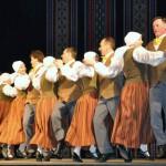 Dricānu pagasta KN vidējās paaudzes deju kolektīvs Jumalo