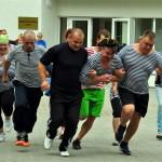 Stoļerovas komanda veic disciplīnu Saturīs prīkšnīk