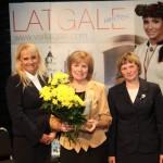 """No kreisās: Latgales reģiona plānošanas padomes vadītāja Iveta Maļina-Tabūne, viesumājas """"Zaļā sala"""" saimniece Rita Tērauda, Latgales tūrisma asociācijas """"Ezerzeme"""" valdes priekšsēdētāja Līga Kondrāte."""