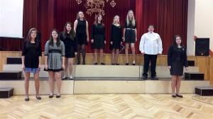 Dricānu vidusskolas 8.-12. klašu vokālais ansamblis (vadītājs Jānis Veličko)