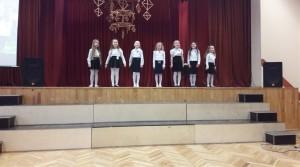 Maltas Bērnu un jauniešu centra meiteņu popgrupa (vadītāja Irēna Ivanova)