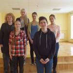 Latgaliešu valodas pulciņa biedri kopā ar savu skolotāju Veroniku Dunduri. Kristers Ulbicāns blakus pa kreisi Laima Grišule un Veronika Dundure Augšējā rindā no labās puses Arnita Jurdža, Ilārija Kanaška un Diāna Zane Razgale.