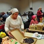 Sarmīte Stepiņa piedāvā tradicionālo Ziemassvētku ēdienu - putraimdesu.