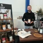 Oskars Maculēvičs (Lendžu pagasts) ar Latgalē grauzdētu kafiju KUUP COFFEE