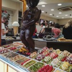 No šokolādes veidots Čurājošais puisēns