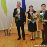 Kaspars Bačkurs ar vecākiem pagājušā gada laureātu godināšanā.